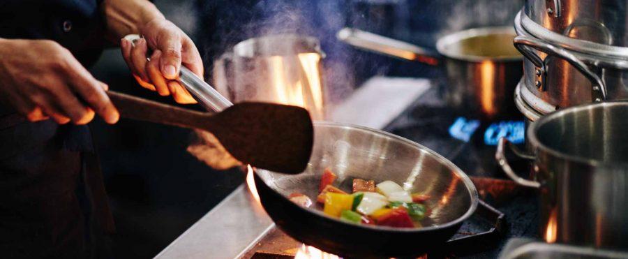 「世界一予約の取れないレストラン」から1食125円で作る「学校給食」へ転身したシェフの話